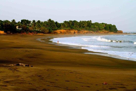 Posada Los Destiladeros: Playa Los Destiladeros au pied de l'hôtel