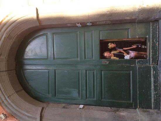 ToledoStation Bed & breakfast: Front door.