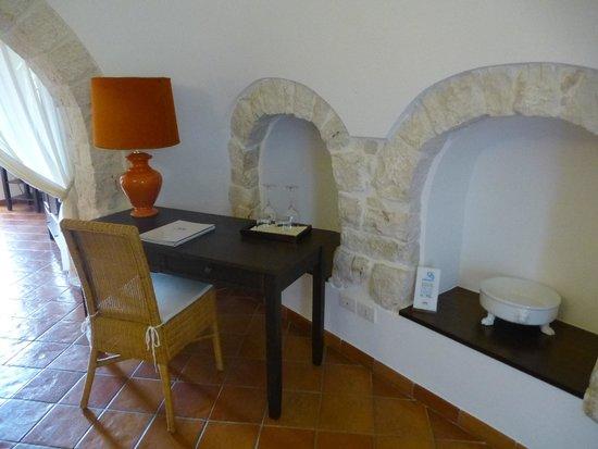 Abate Masseria & Resort: Trullo suite lounge