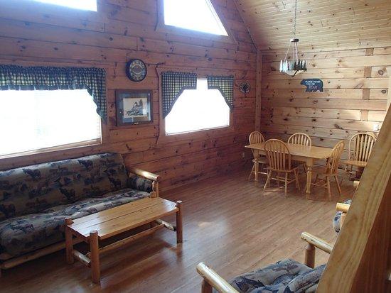 Three Bears Resort: living room area
