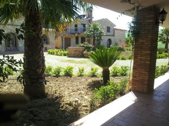 Azienda Agrituristica Villa Dafne: Giardino