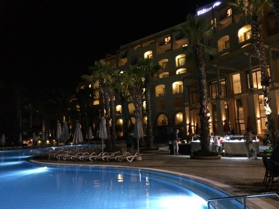 Hilton Malta: Night
