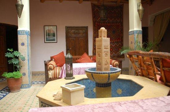 Riad Dar Imlil : central courtyard