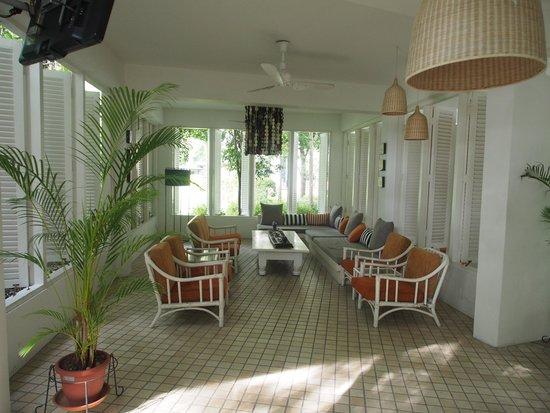 Lone Pine Hotel: R&R Area