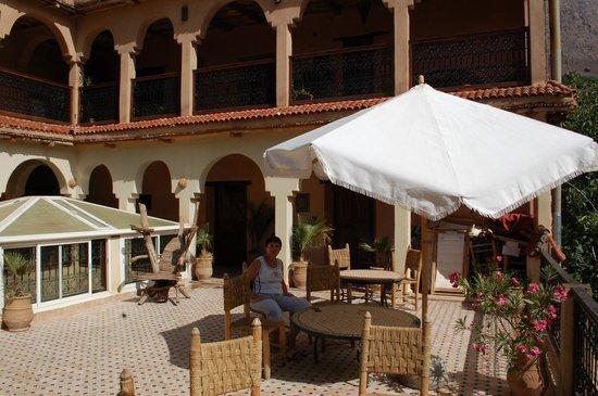 Dar Imlil : rooms around terrace