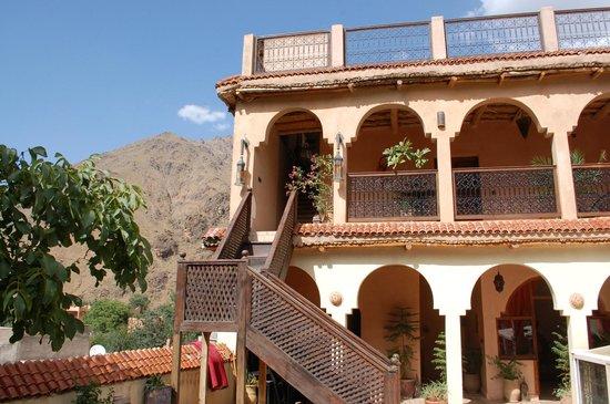 Dar Imlil : rooms around the terrace