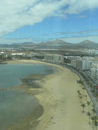 Arrecife Gran Hotel & SPA : Is that Mordor in the distance? No its Lanzarote