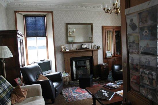 Dunallan House: The lobby