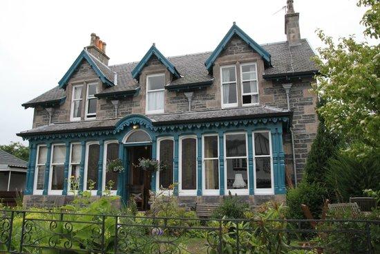 Dunallan House: The house