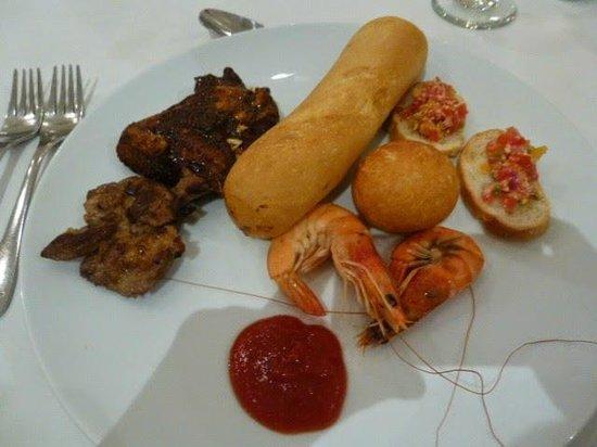 Iberostar Grand Hotel Rose Hall: Main Buffet