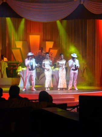 Iberostar Grand Hotel Rose Hall: Entertainment in Theater