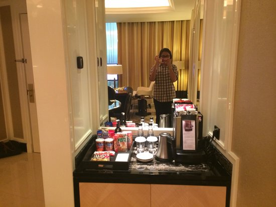 The Trans Luxury Hotel Bandung: Coffees and teas