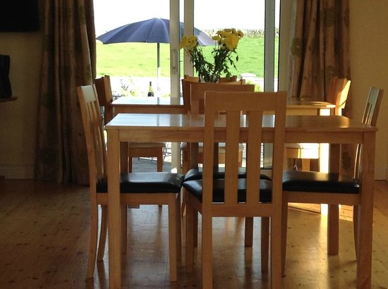 Carraig B&B: DINING ROOM
