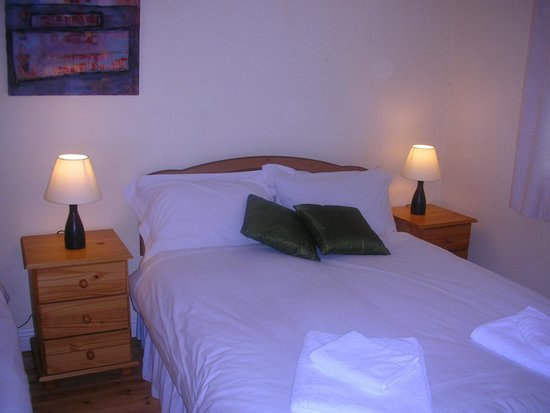 Carraig B&B: DBL.BEDROOM