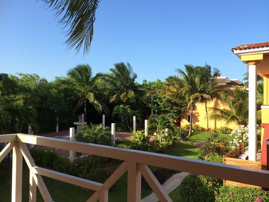 Ocean Maya Royale: Relaxing view over the gardens