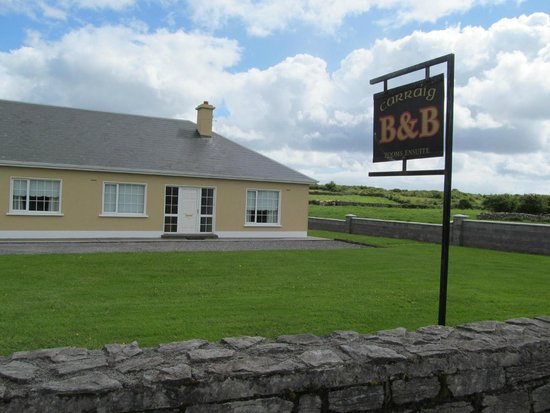 Carraig B&B: B/B AND GROUNDS