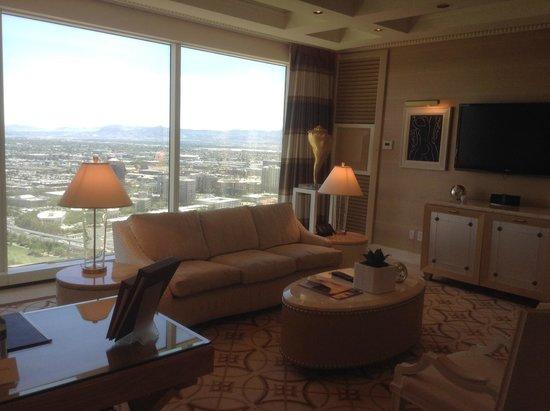 Wynn Las Vegas: parlor suite living room