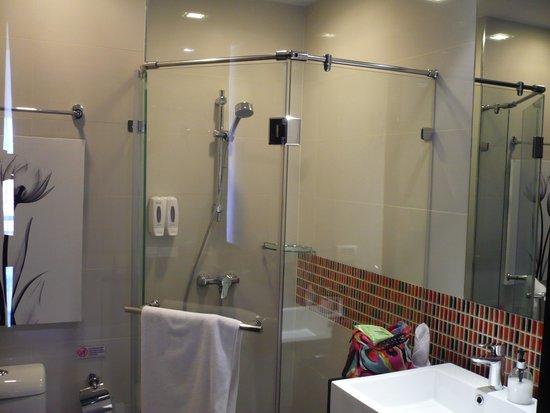 Aspira Prime Patong: bathroom