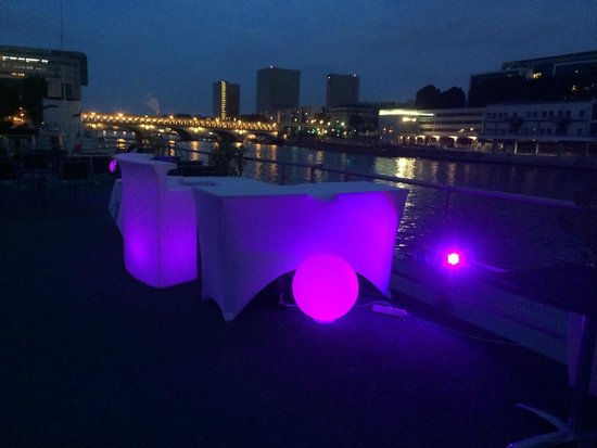 Le VIP Paris Yacht Hotel : digestif sur le pont