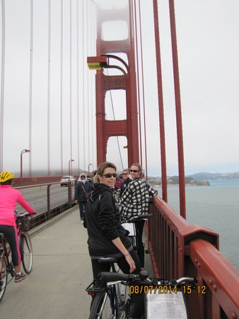 Blazing Saddles Bike Rentals and Tours : A moment of low traffic. Time for a picture