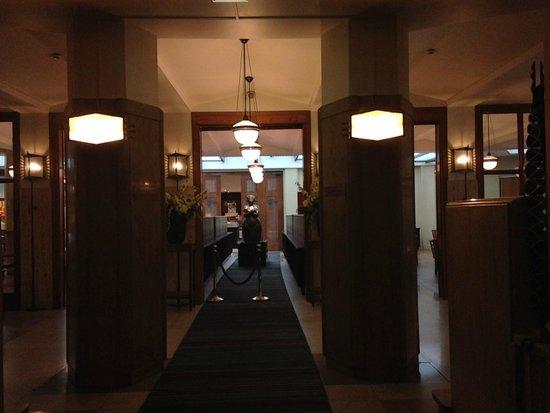 Grand Hotel Amrath Amsterdam: La zona prima del ristorante