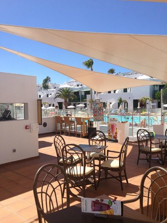 Gloria Izaro Club Hotel: pool bar
