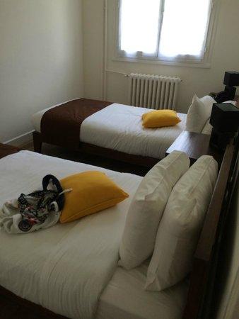 Les Jardins de Beauval : chambre 2 lits simple avec placard