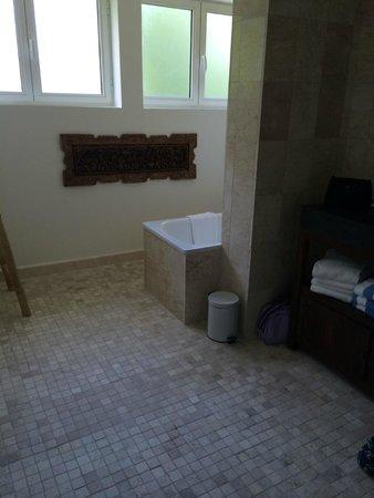 Les Jardins de Beauval : salle de bain/douche