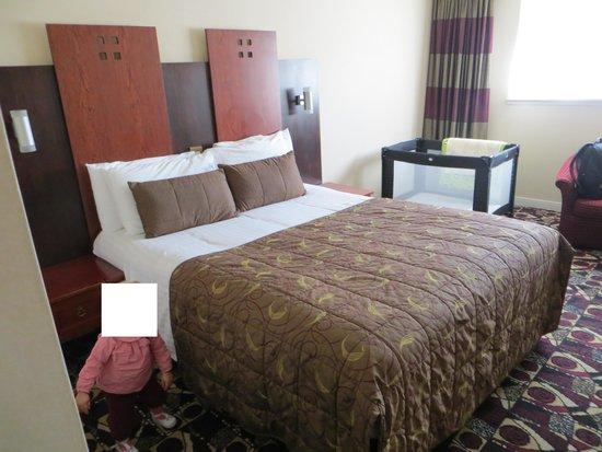 "The Stirling Highland Hotel: chambre""standard double room"":"