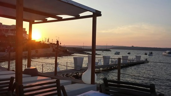 The Riviera Resort & Spa: Hola Beach am Abend