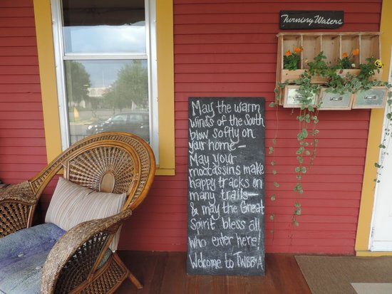 Turning Waters Bed, Breakfast and Adventure : Welcome Sign