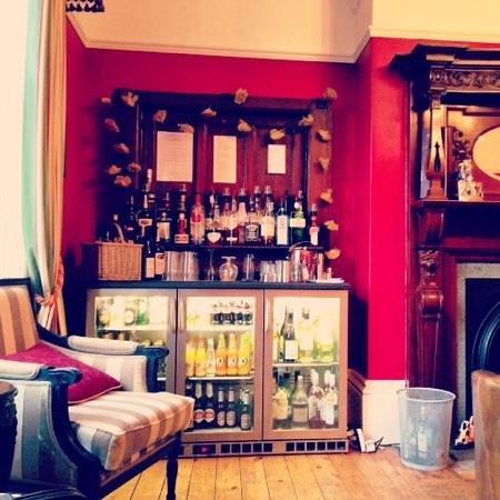 Ashmount Country House: honesty bar