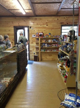 Mountain Vista Campground: Small little store, but has most necessities.