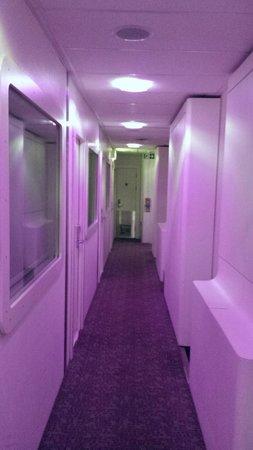YOTEL London Heathrow Airport - Corridor