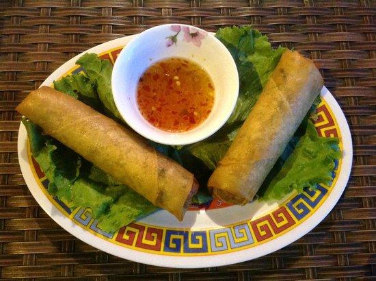 Ngo: crispy Vietnamese spring rolls/egg rolls (Special)