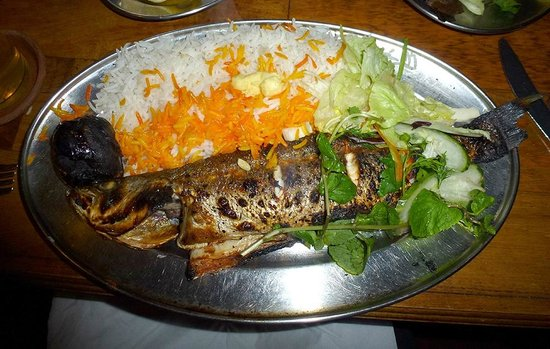 Patogh Restaurant: Fiddly bass
