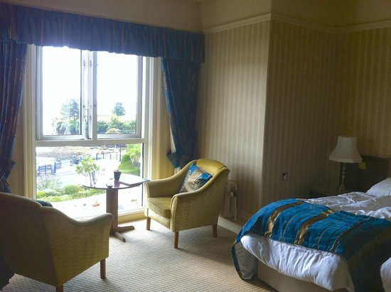 The Grand Hotel : Room 208