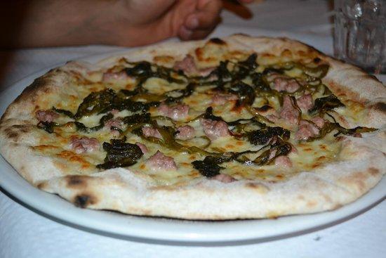 Trattoria Pizzeria Regina : salsiccia e friarielli