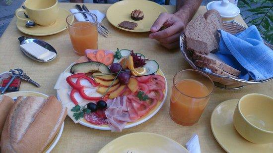 Casa Rural Los Helechos: Breakfast