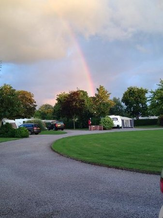 The Old Oaks Touring Park: Rainbow over the Walnut Circle
