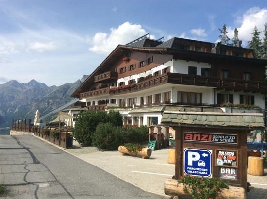Hotel Vallechiara: Vallechiara vista esterna.