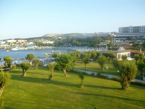Eden Roc Resort Hotel & Bungalows : Vista camera