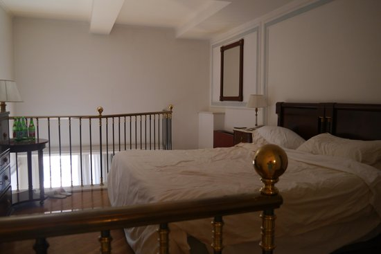 Grand Hotel Parker's : bedroom area on upper floor of suite