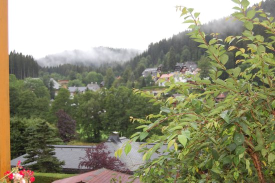 Erfurths Bergfried Ferien & Wellnesshotel: View - pretty even in the rain