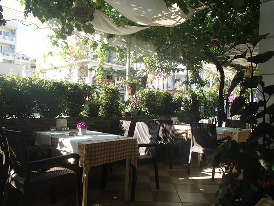 Dost Hotel : comedor