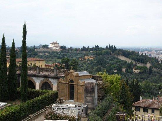 Basilica San Miniato al Monte: 庭からの眺め