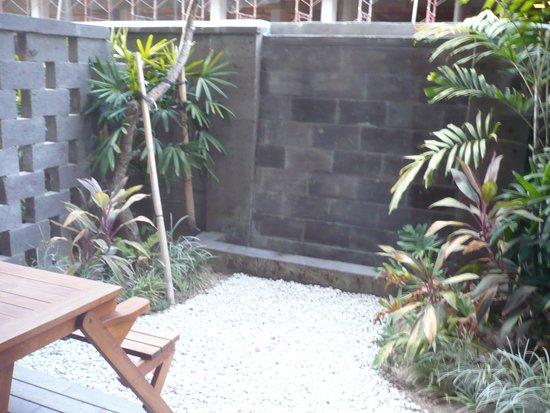 Sing Ken Ken Lifestyle Boutique Hotel: patio
