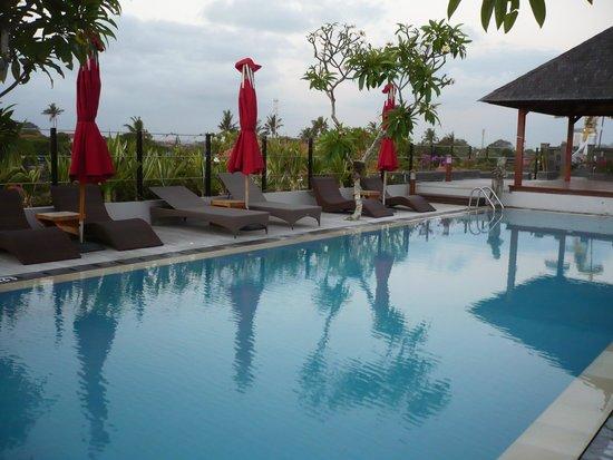Sing Ken Ken Lifestyle Boutique Hotel: swimming pool