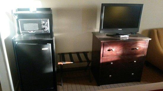 Comfort Inn: Tv frigorifero e micro onde