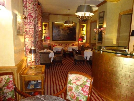 Hotel de l'Abbaye Saint-Germain : Sitting & Dinning area